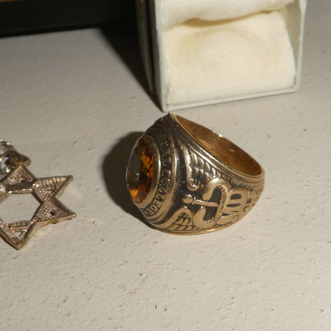 Lot # 33 - 10k Gold Ring, 1946 Silver Mint Coins, & Vintage Mens Collectibles