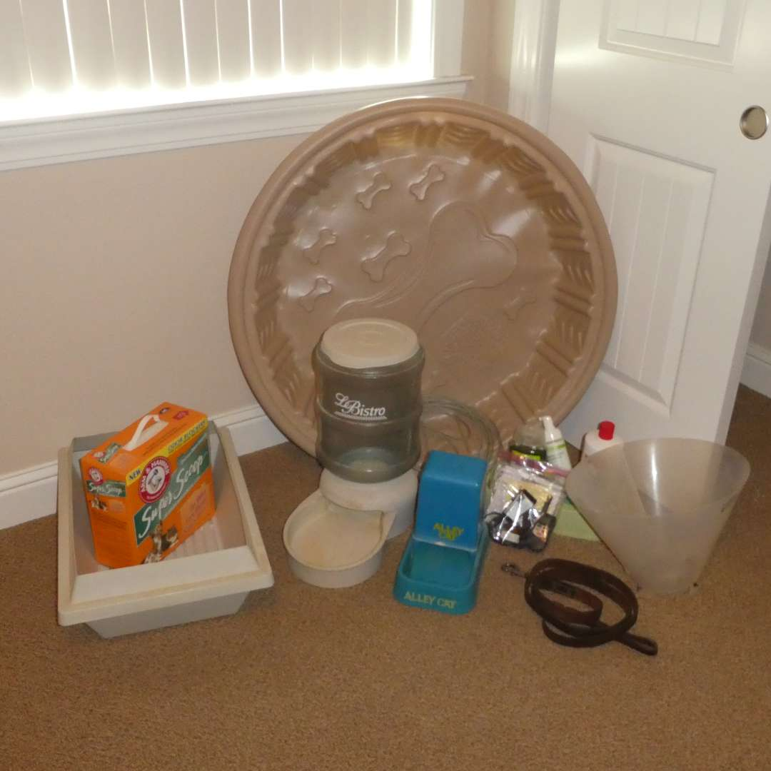 Lot # 36 - Pet Lot- 3' Splash Time Pet Pool, Gravity Feeders, Cone, Litter Box and Shampoos
