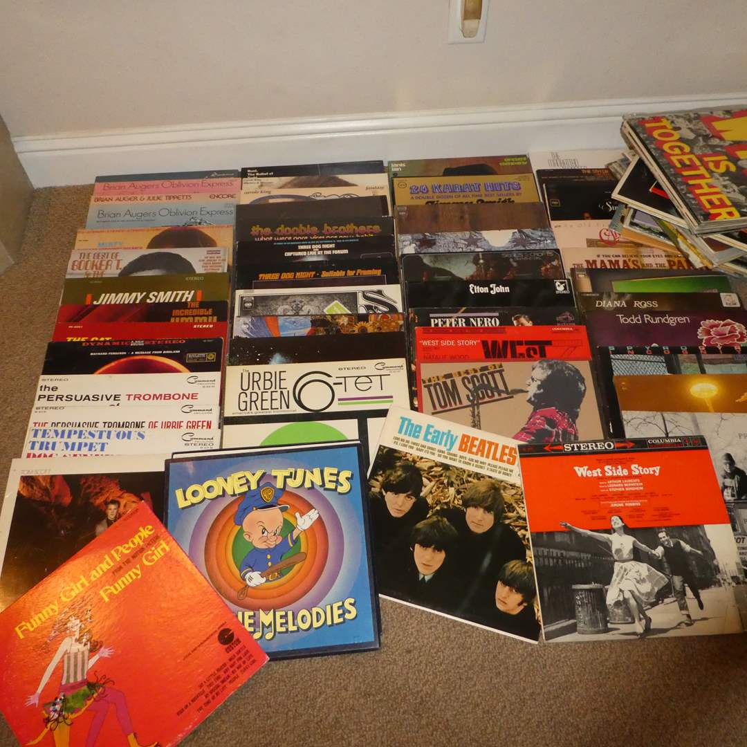 Lot # 24 - Lot of 80 Records (main image)