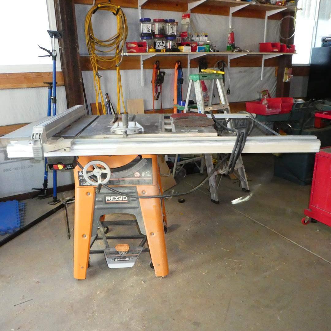 "Lot # 100 - RIDGID 10"" Cast Iron Table Saw"
