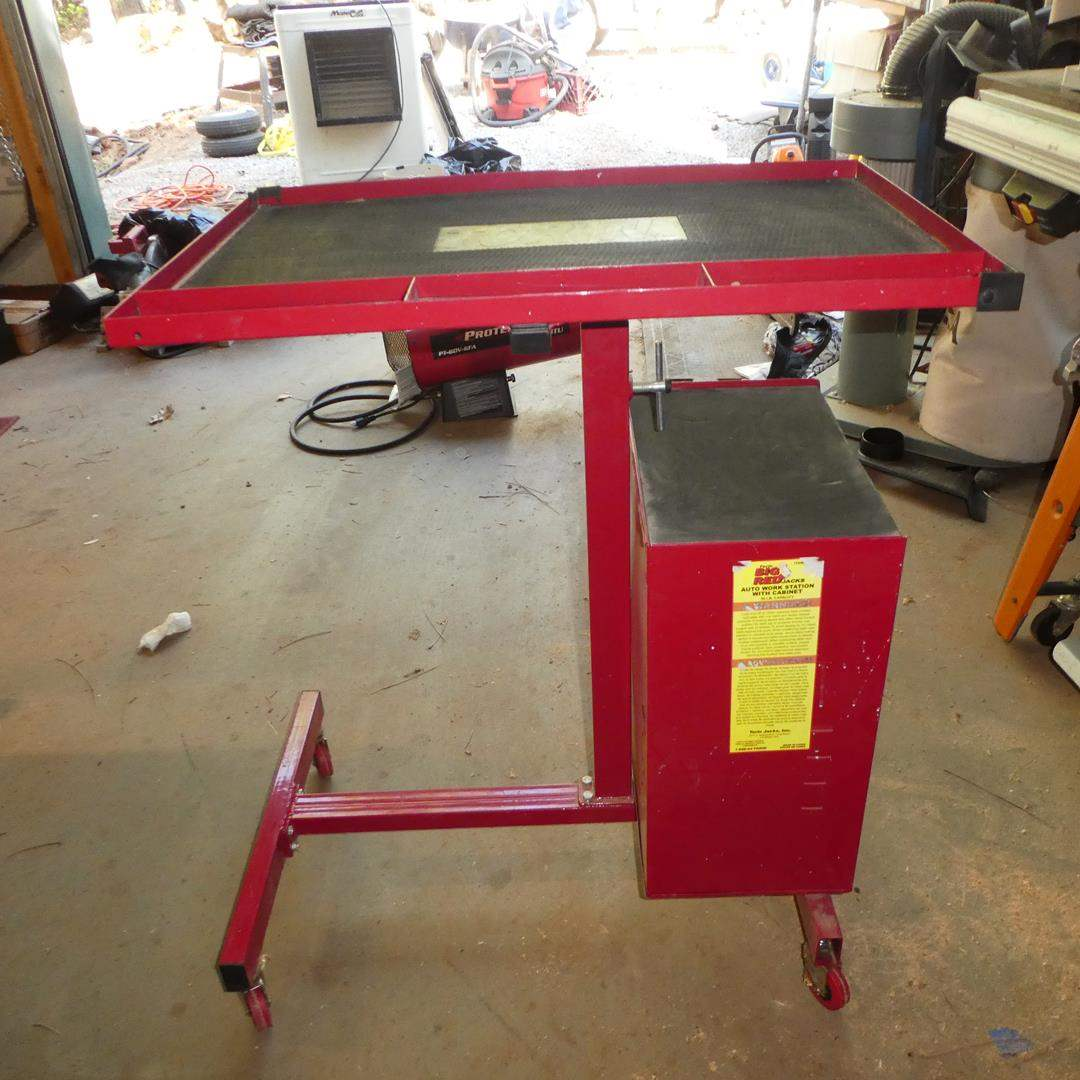 Lot # 102 - Torin Big Red Auto Work Station w/Cabinet & Key (main image)
