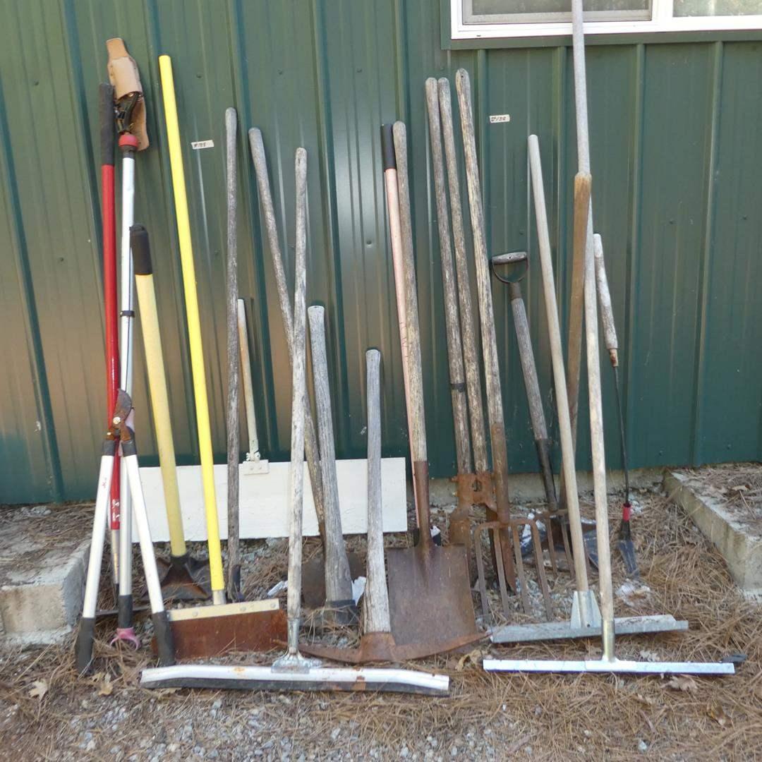 Lot # 188 - Assorted Yard & Garden Tools