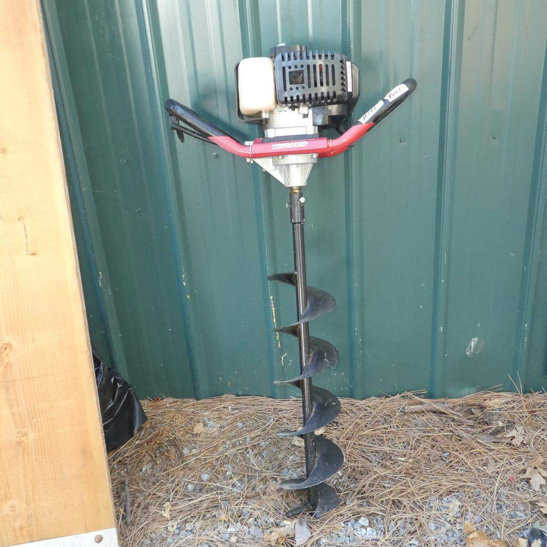 Lot # 191 - Predator Gasoline Auger (main image)