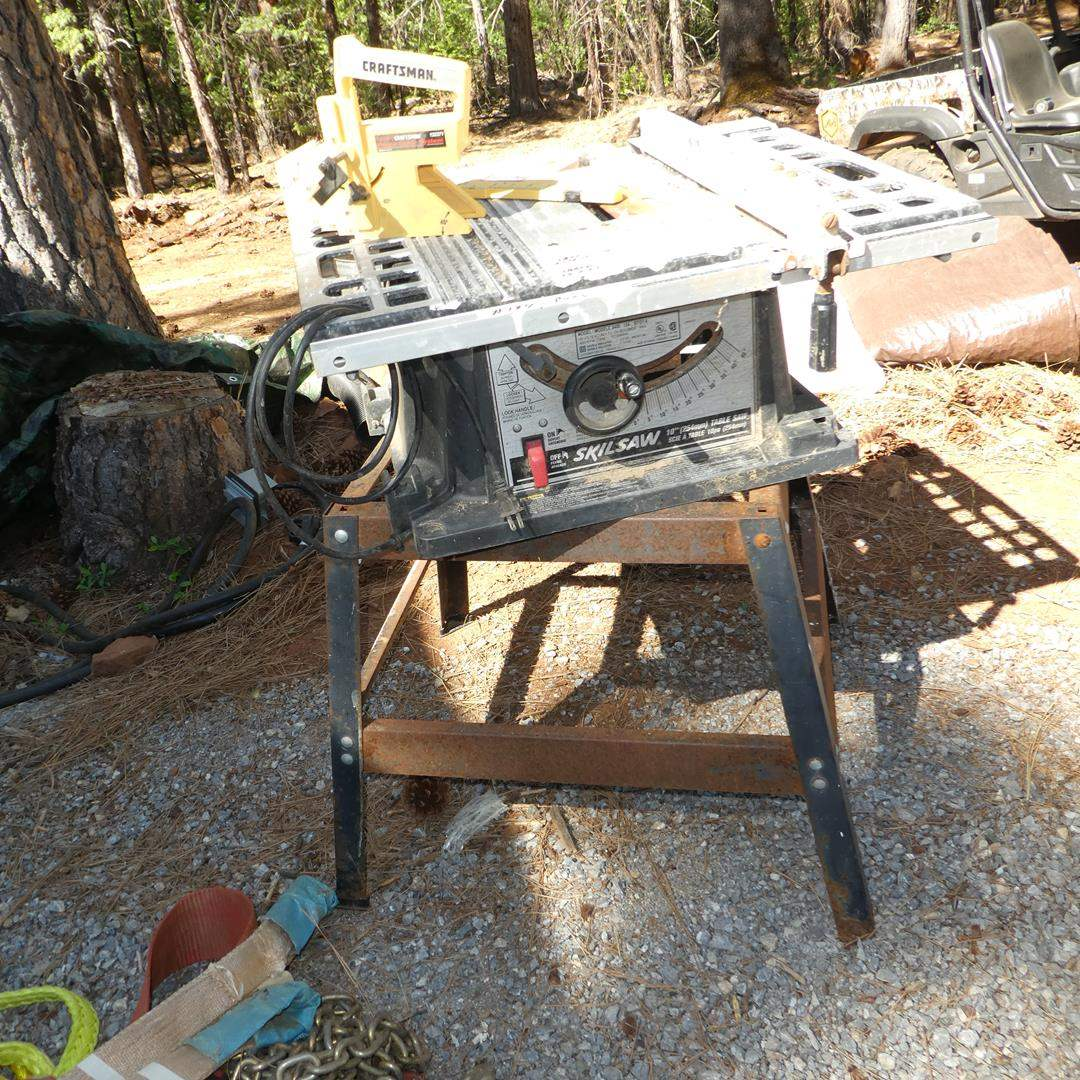 """Lot # 194 - Skilsaw 10"""" Table Saw & Stand (main image)"""