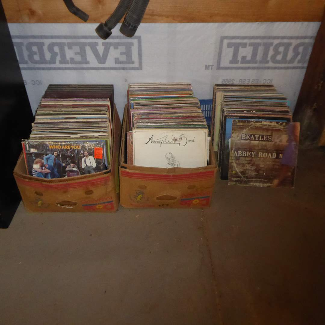 Lot # 19 - Great lot of 1970s & 80s Rock & Roll  200 + Albums
