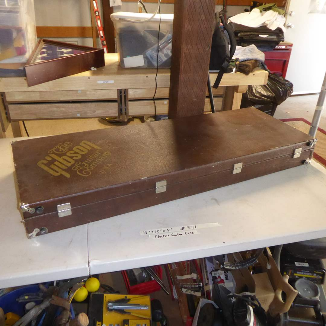 Lot # 371 - Gibson Electric Guitar Case