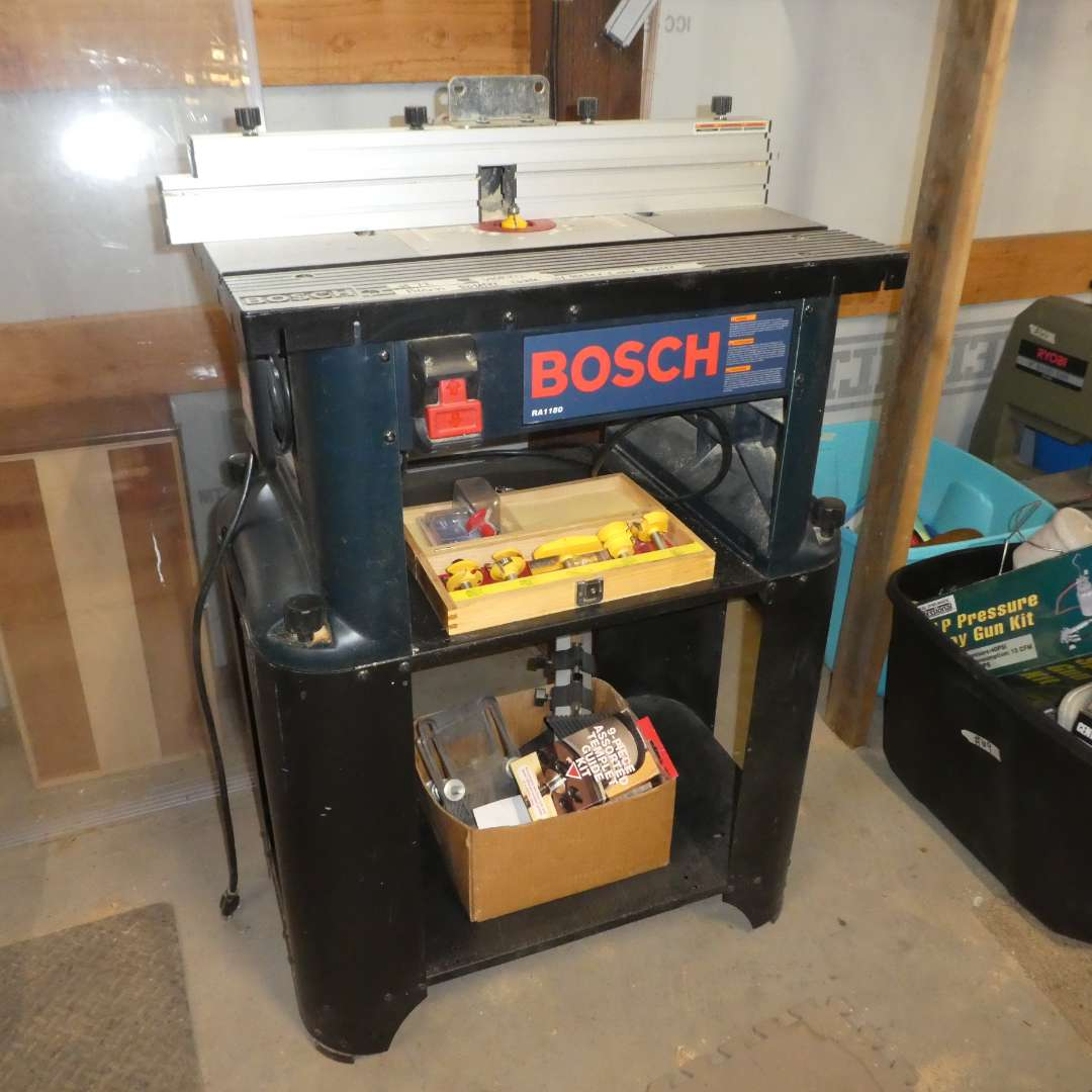 Lot # 72- Bocsh Router Table w/ Porter Cable Router