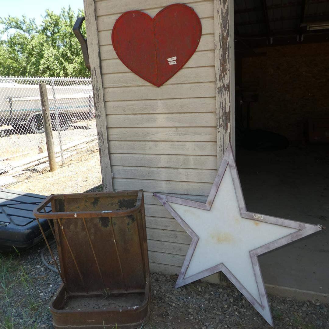 Lot # 127 - Metal Hay Feeder, Metal Star & Tin Heart