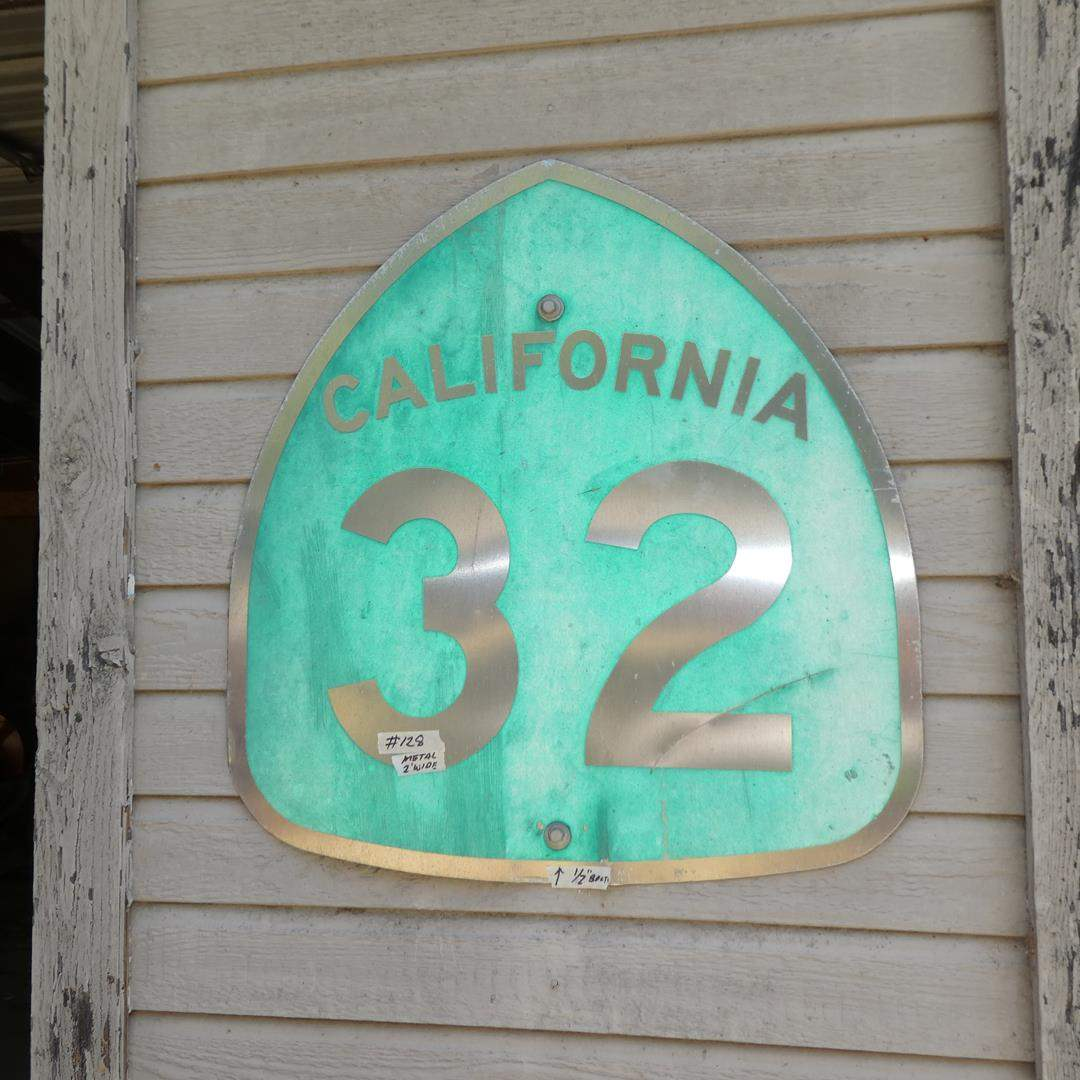 Lot # 128 - Vintage Metal California 32 Sign - Bring Tool To Remove From Wall (main image)