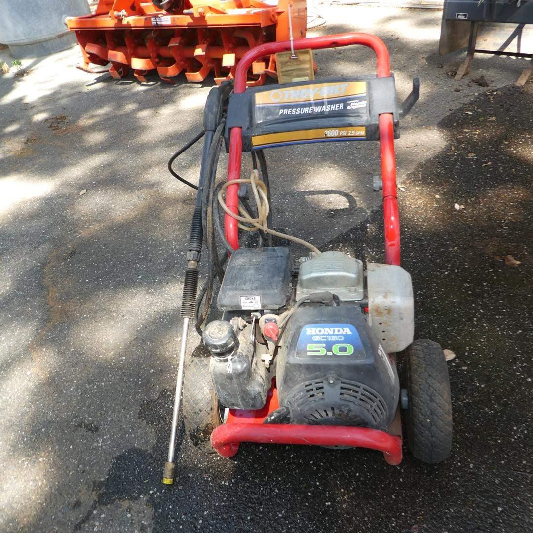 Lot # 153 - Troy-Bilt Pressure Washer 2600 PSI w/Honda Motor - Works Good (main image)