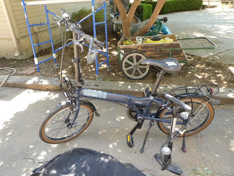 Lot # 164 - Dahon Folding Bike w/Bag & Air Pump