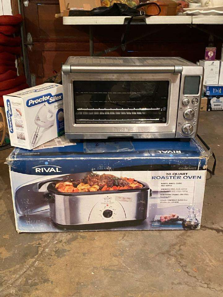 Lot# 268 - Brevell Toaster Oven & Roasting Pan