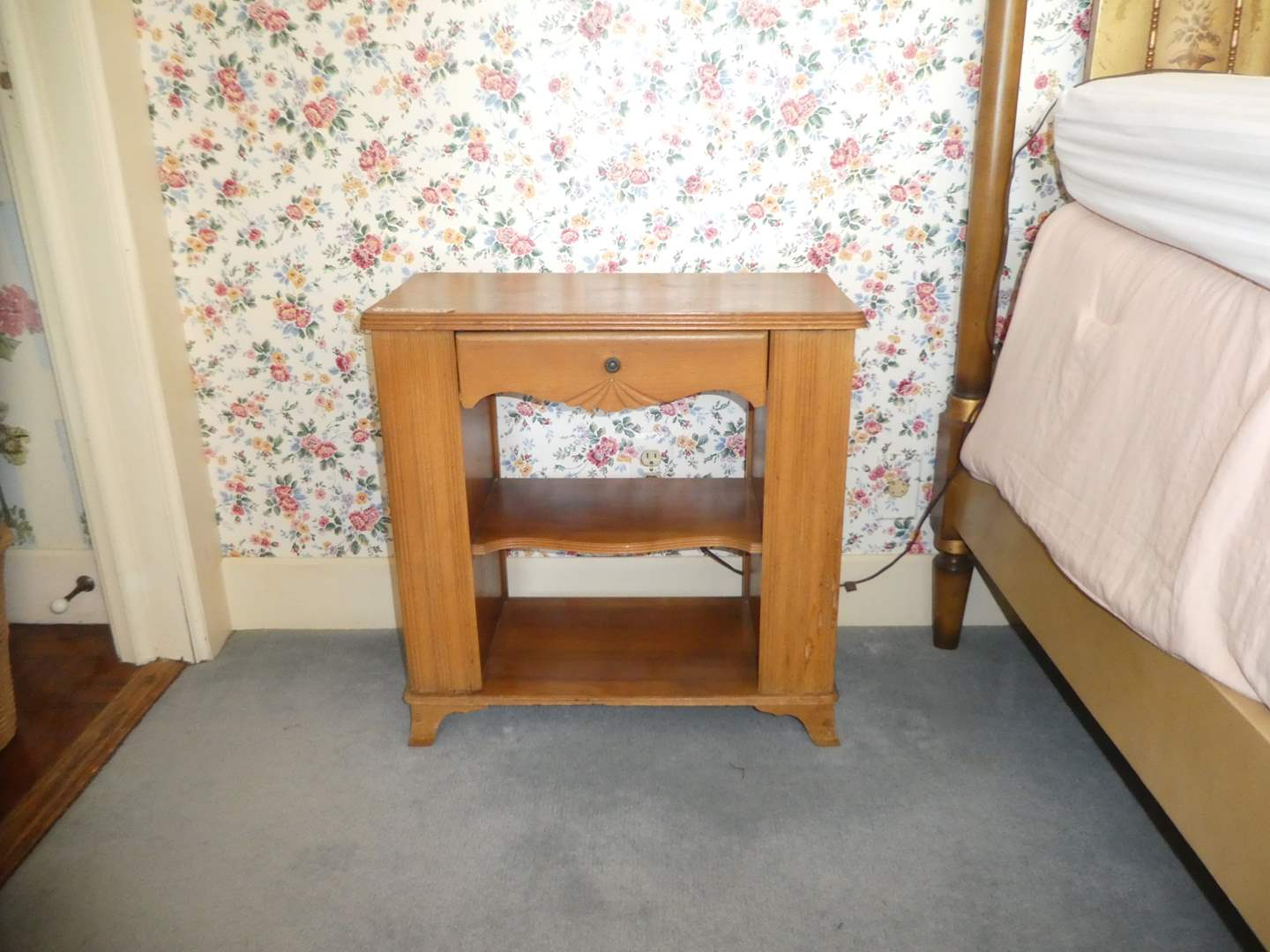 Lot # 11 - Cute Detailed Side Table w/ Magazine Storage (Top Could Use TLC) (main image)