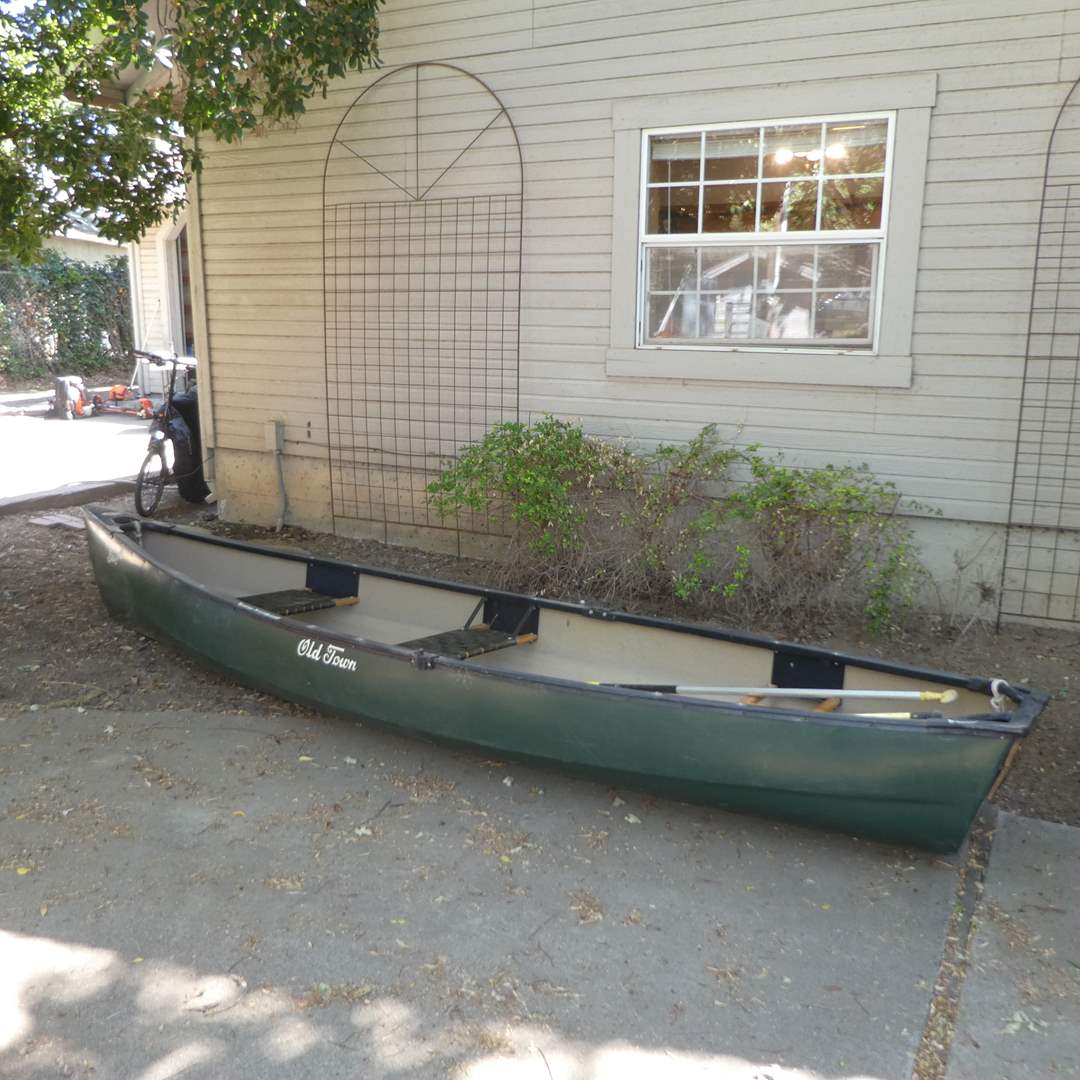 Lot # 240 - 13 Ft. Old Town Canoe (Discovery Sport) and Oars (In Great Condition) (main image)