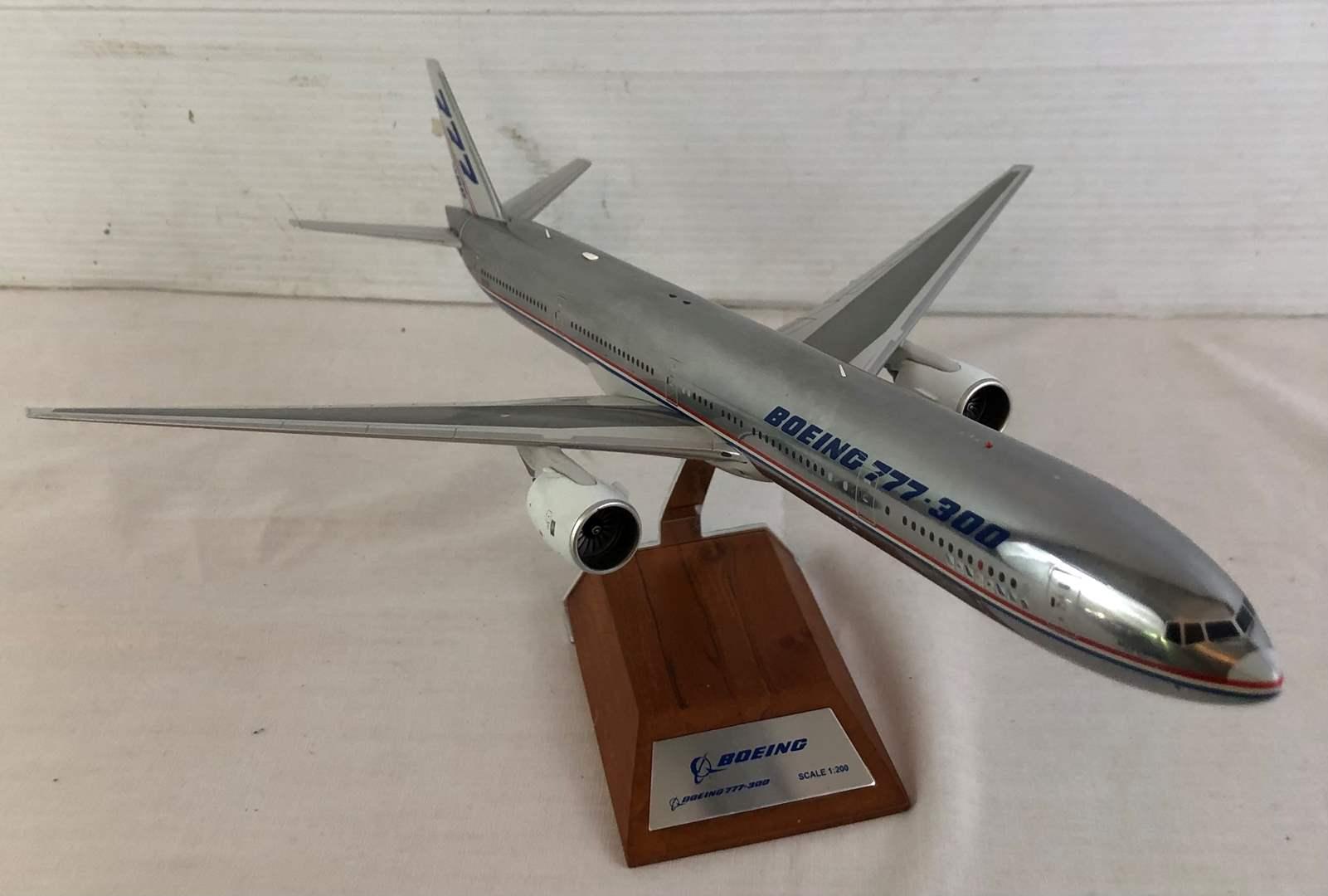 Lot # 16 - Boeing 777-300 Diecast Model (main image)