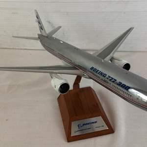 Lot # 16 - Boeing 777-300 Diecast Model