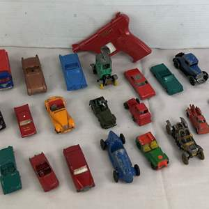 Lot # 29 - Lot of vintage toys