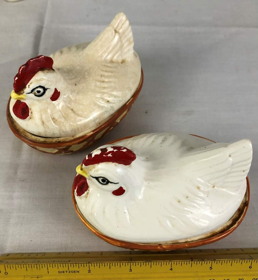 Lot # 50 - Lot of Figurines and Chickens