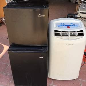Lot # 80 - 2 Mini Refrigerators 1 portable AC unit