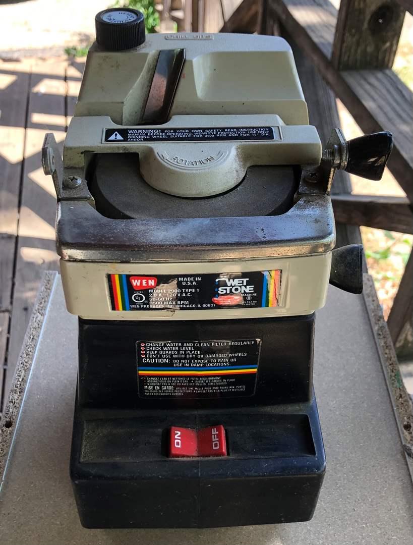 Lot # 82 - WEN Wet Stone 2900 Tool Sharpener (main image)