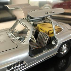 Lot # 127 - 3 Franklin Mint Collectible Cars