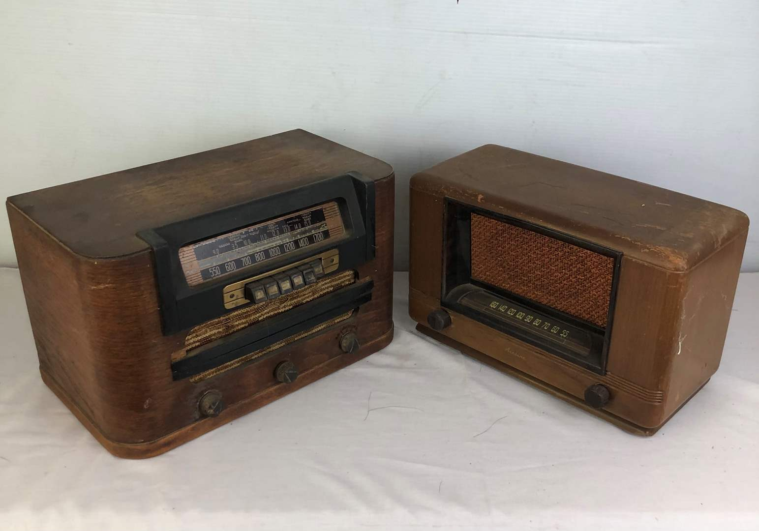 Lot # 133 - 2 Vintage Tube Radios with Wood Cases (main image)