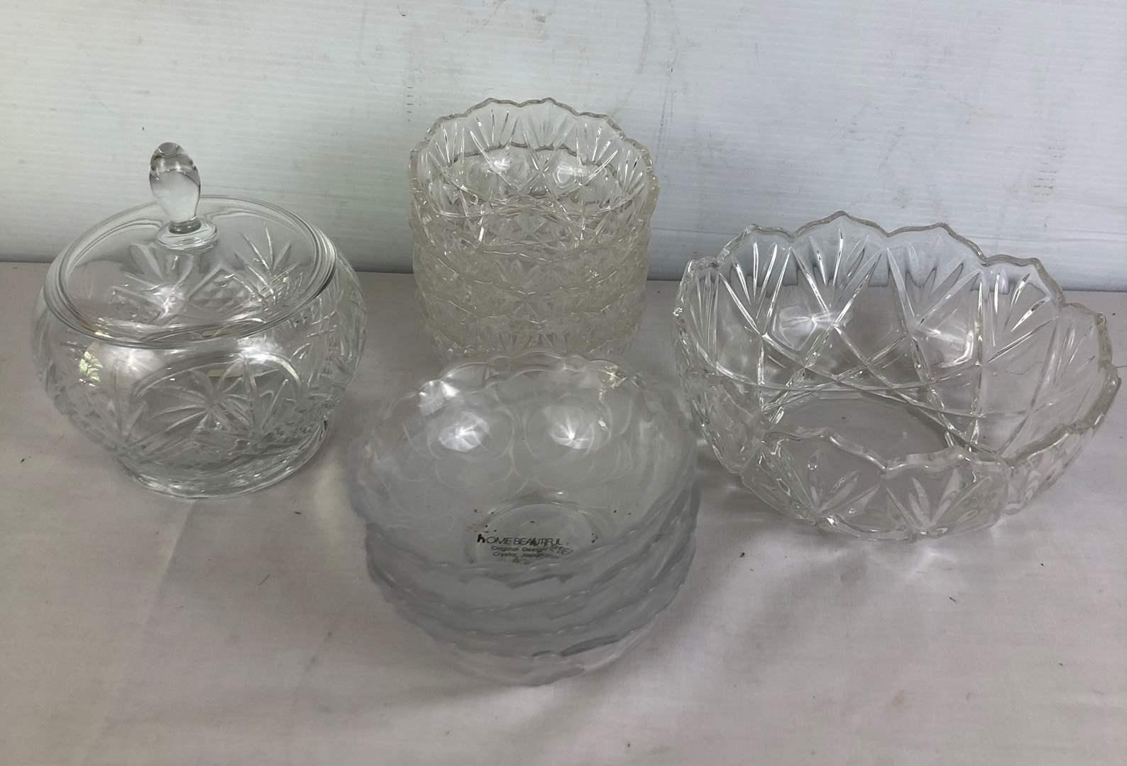 Lot # 148 - Lot of Glass Dishware Bowls Crystal (main image)