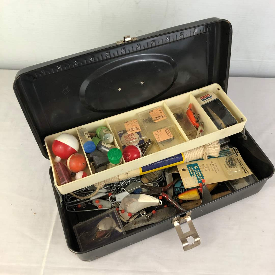 Lot # 149 - Fishing Tackle Box with Lures (main image)