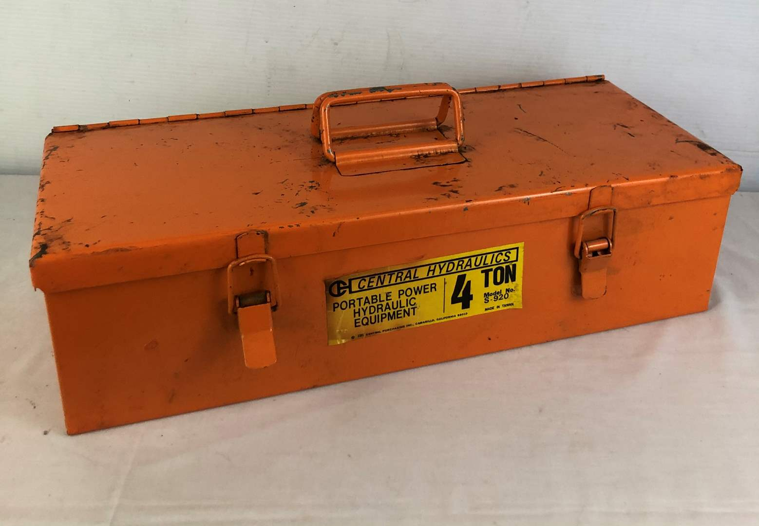 Lot # 154 - 4 Ton Portable Hydraulic Equipment Kit (main image)