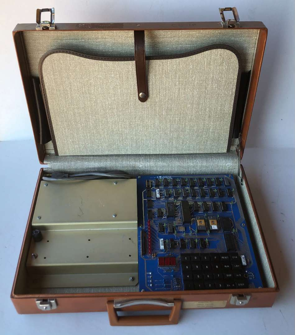 Lot # 156 - Micro Computer Lawrence Livermore Laboratory MST-80 and 68000 digital trainer