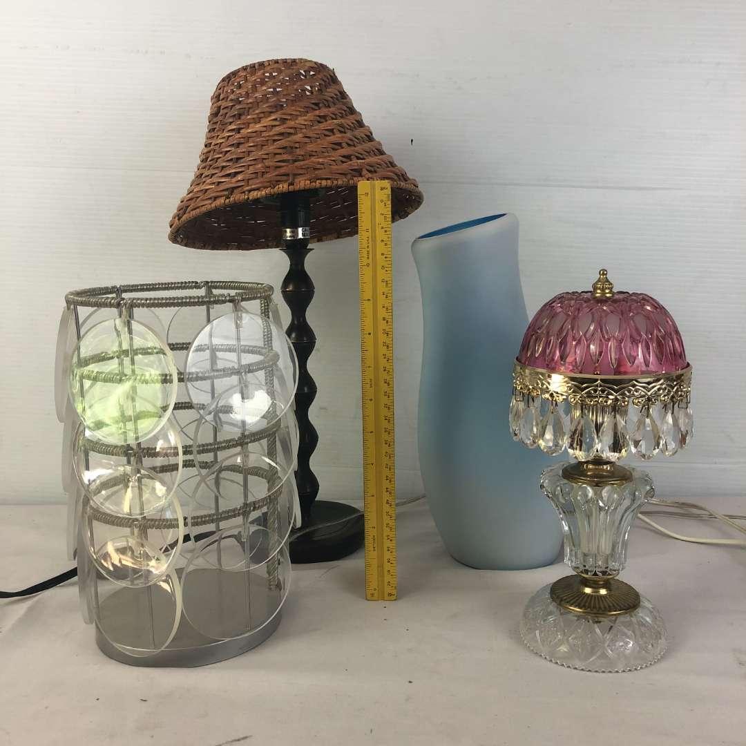 Lot # 173 - Lot of Various Lamps