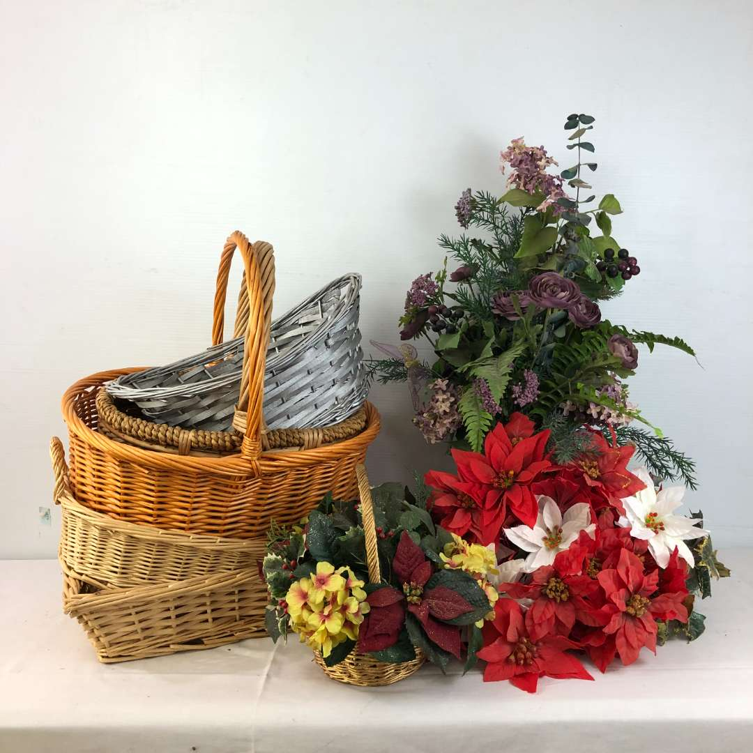 Lot # 179 - Lot of Baskets and Artificial Flowers (main image)