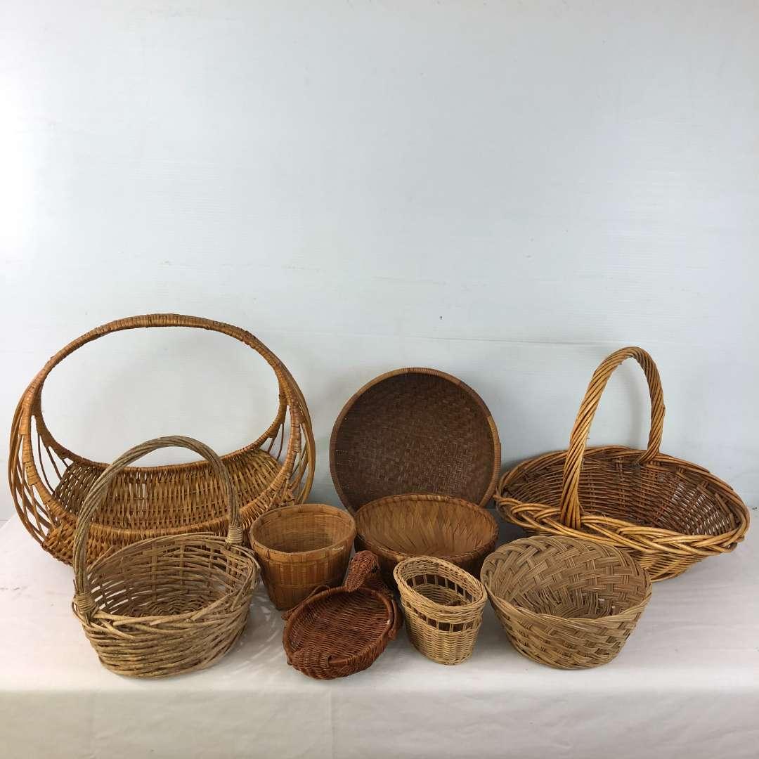 Lot # 182 - Large Lot of Baskets (main image)