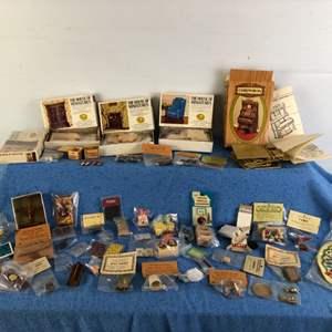 Lot # 70 - Miniature Dollhouse Furniture Pieces Lot 4 of 4