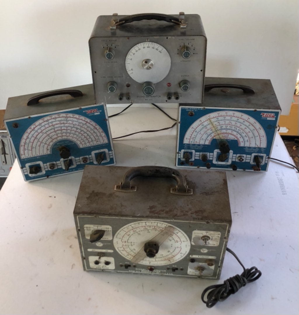 Lot # 166 - Lot of 4 Pieces of Vintage Equipment