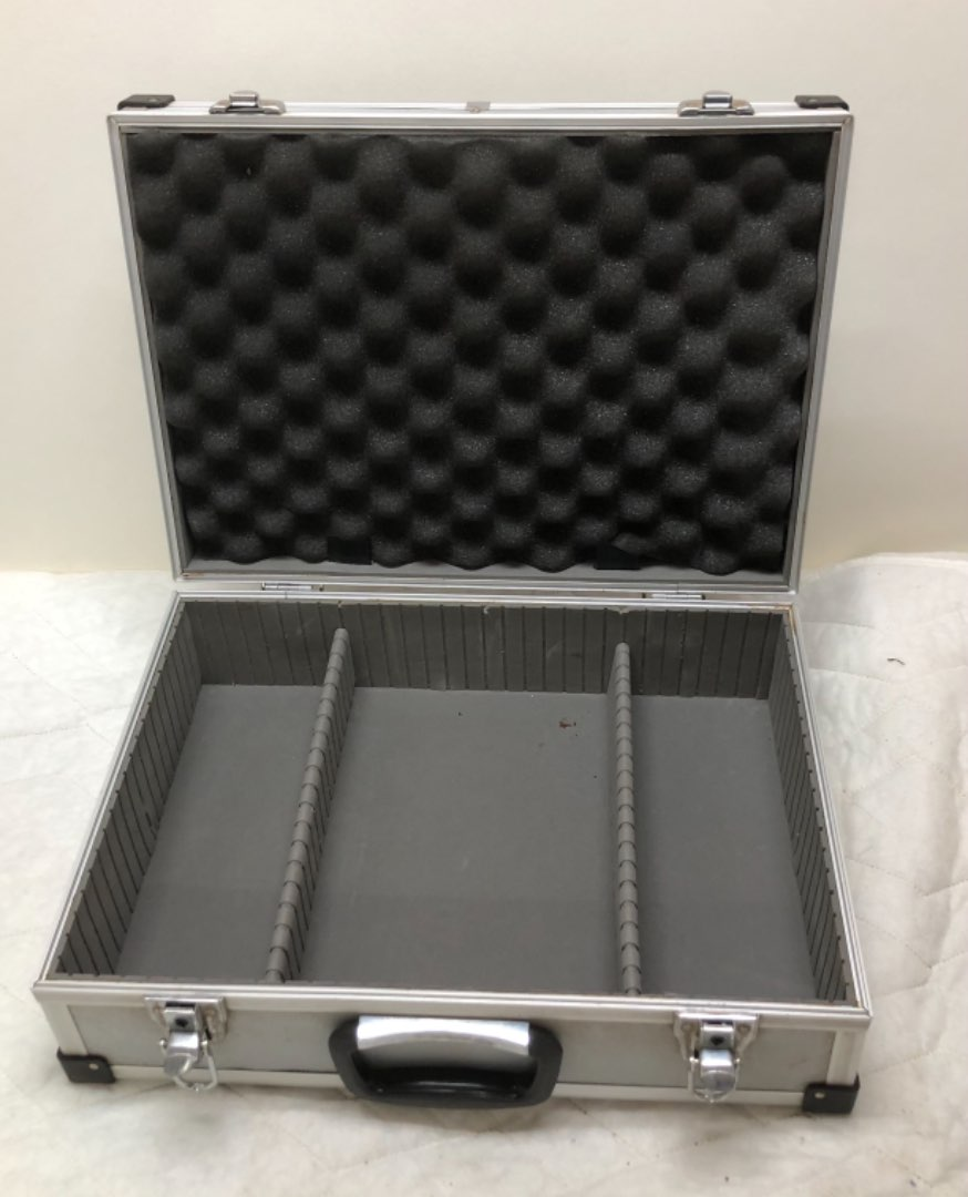 Lot # 183 - Lot of 4 Cases