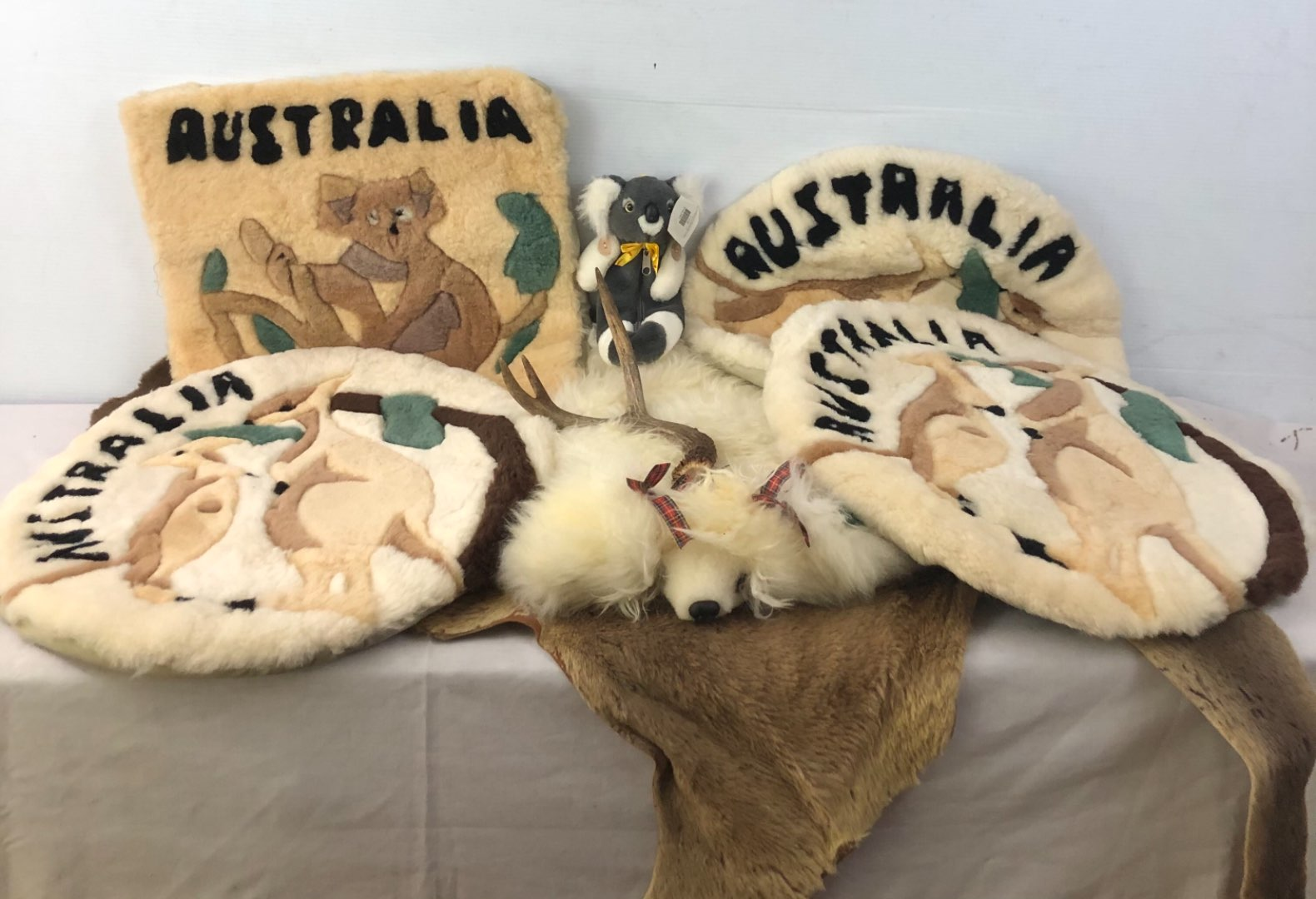 Lot # 185 - Lot of Australian Items