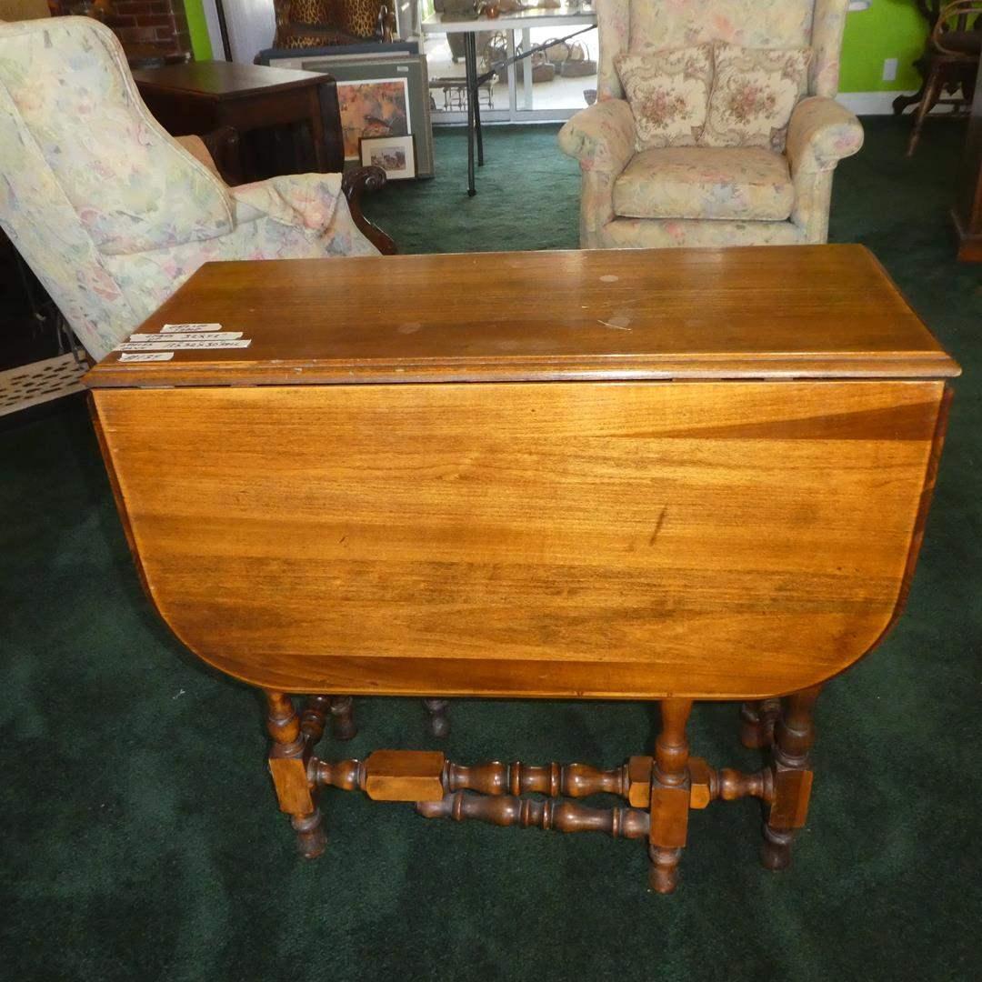 Lot # 134 - Vintage Wooden Gateleg Table (main image)