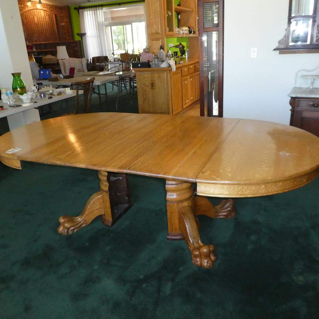 Lot # 164 - Antique Oak Claw Foot Table w/Six Leaves (main image)