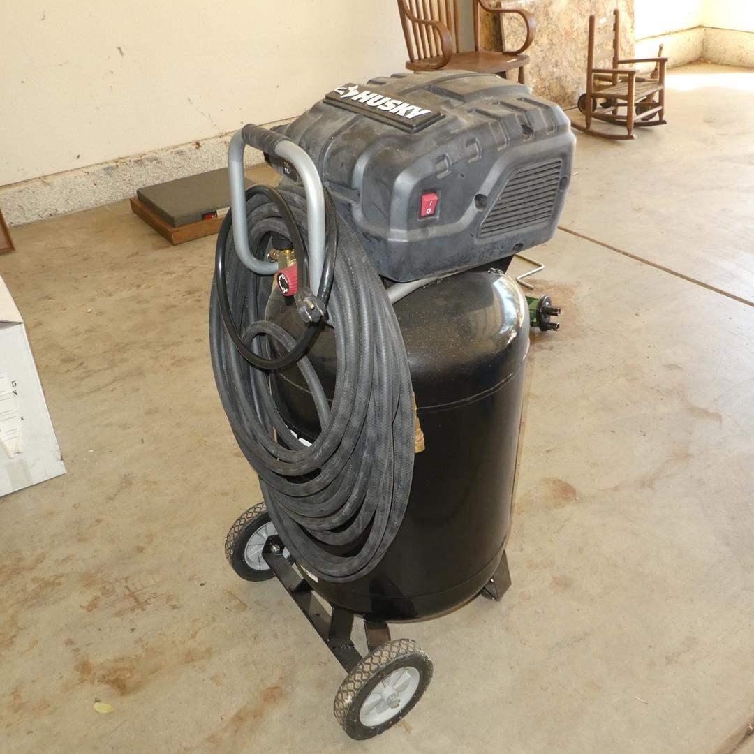 Lot # 607 - Husky 20 Gal. 150 PSI Air Compressor (main image)