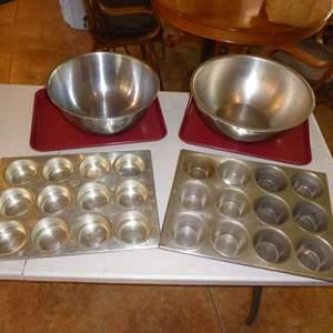 Lot # 20 - Metal Baking Pans, Stainless Bowls & Muffin Tins