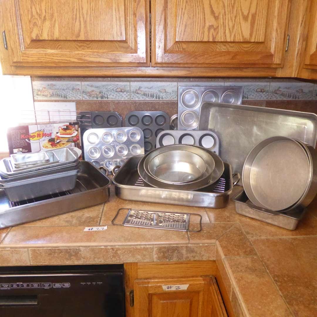 Lot # 22 - Keep It Hot Hot Plate, Baking Pans & Tins (main image)
