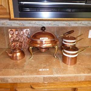 Lot # 29 - 5 Piece Chafing Dish & Double Broilers