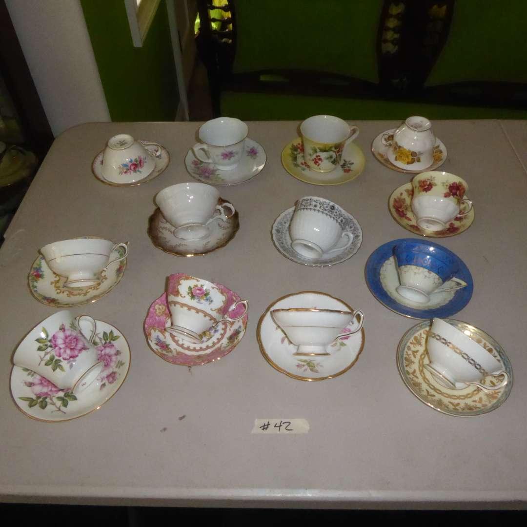 Lot # 42 - Vintage Tea Cups & Saucers (main image)
