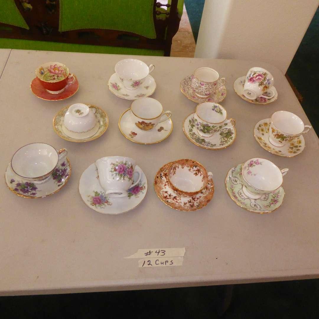 Lot # 43 - Vintage Tea Cups & Saucers (main image)