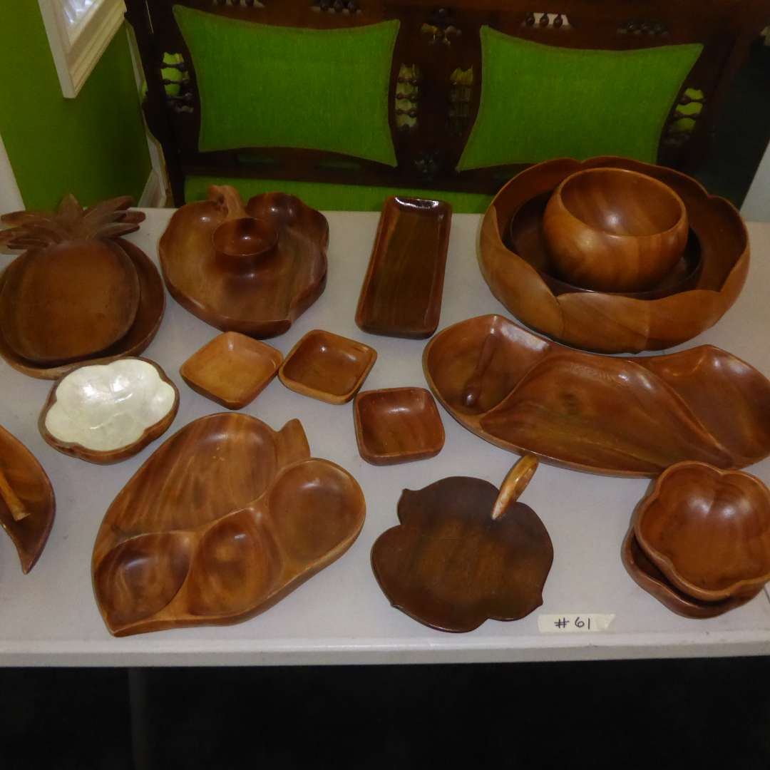Lot # 61 - Monkey Pod & Other Wooden Serving Bowls (main image)
