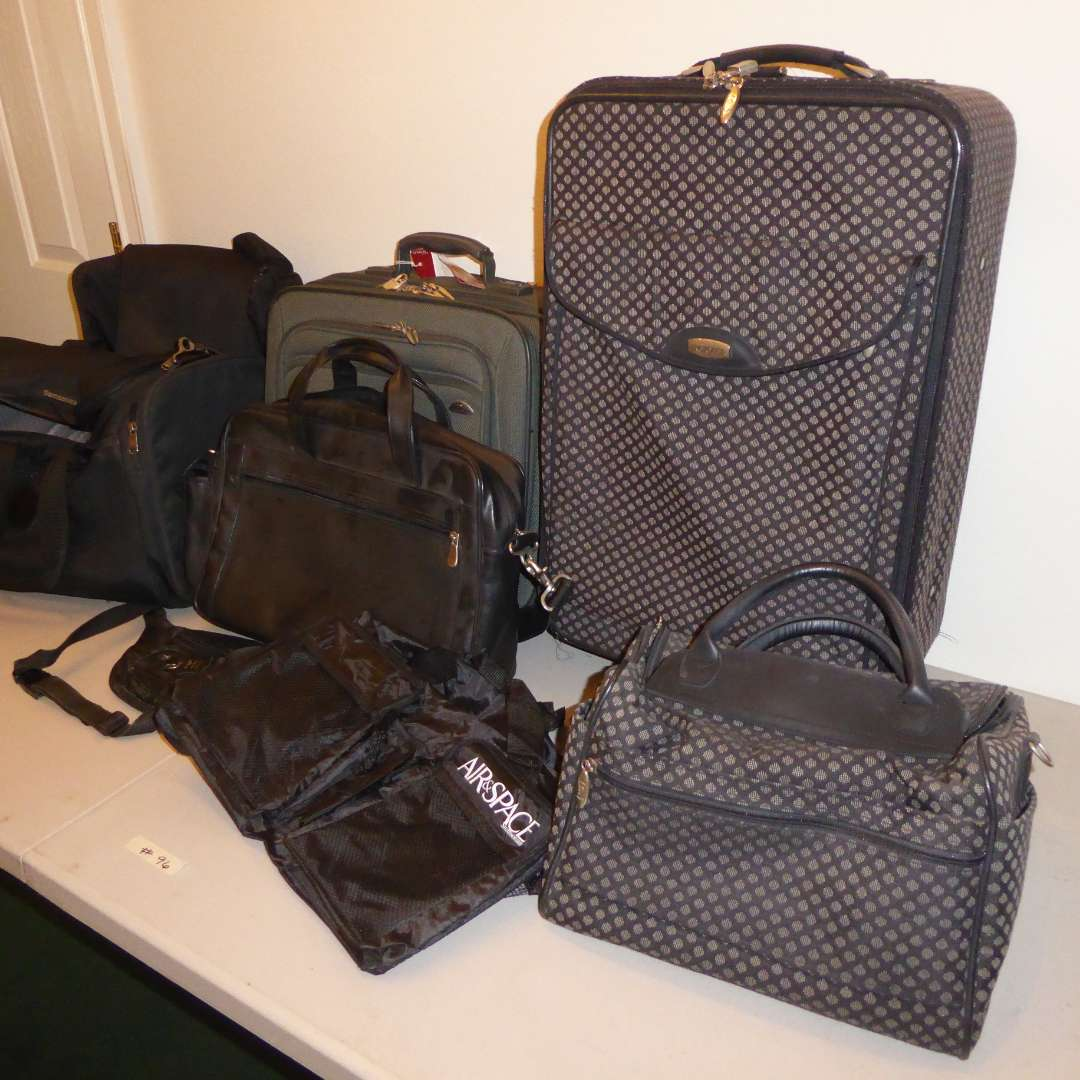 Lot # 96 - Lot Of Suitcases & Bags (main image)