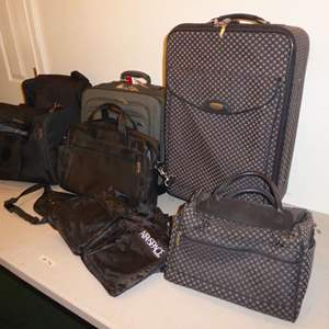 Lot # 96 - Lot Of Suitcases & Bags