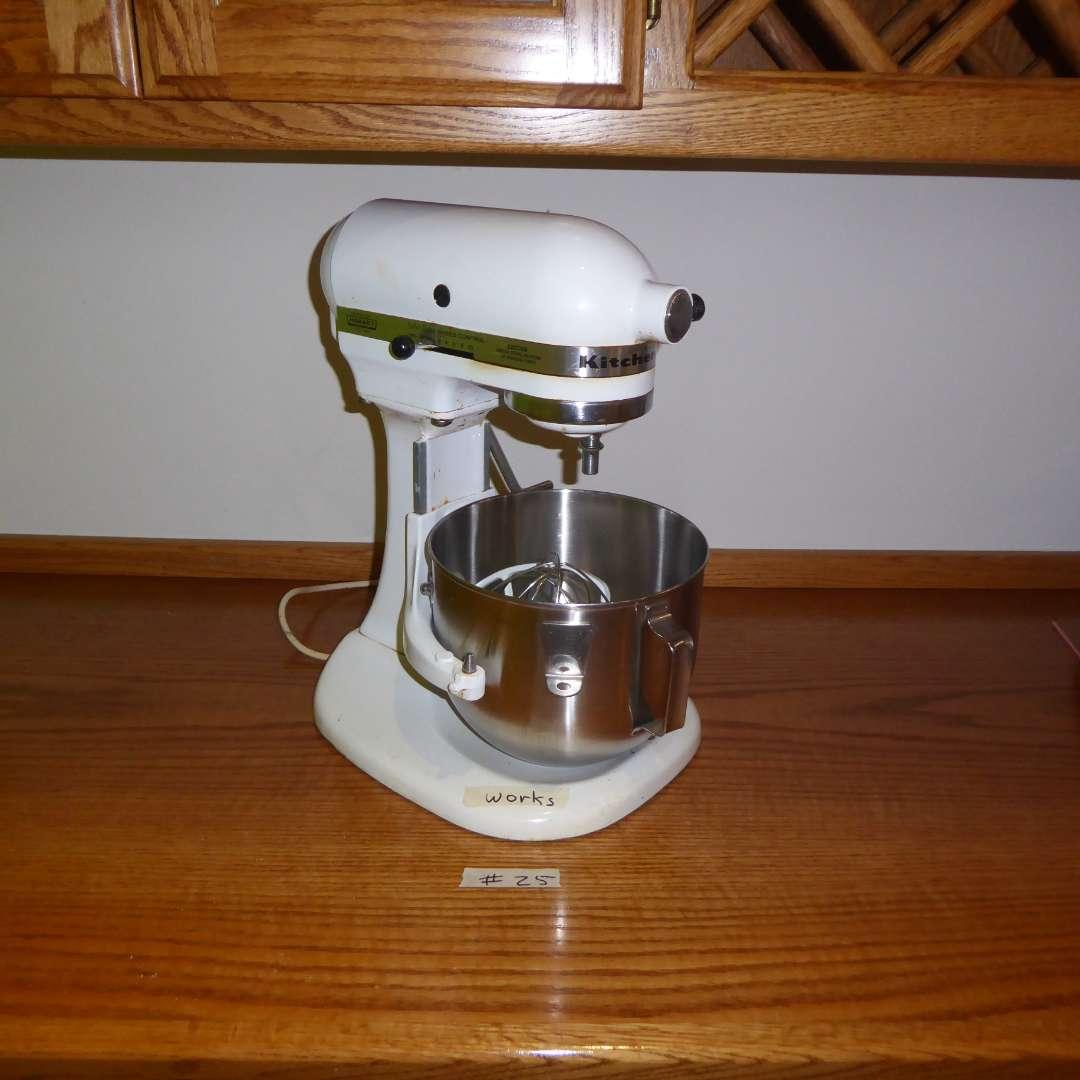 Lot # 25 - White Kitchen Aid Mixer