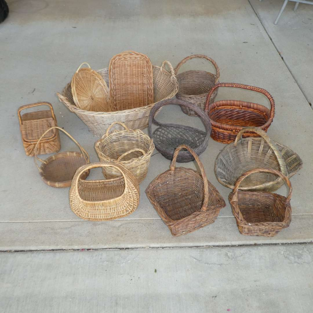 Lot # 447 - Assorted Wicker Baskets  (main image)
